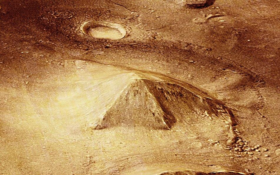 d&m pyramid mars